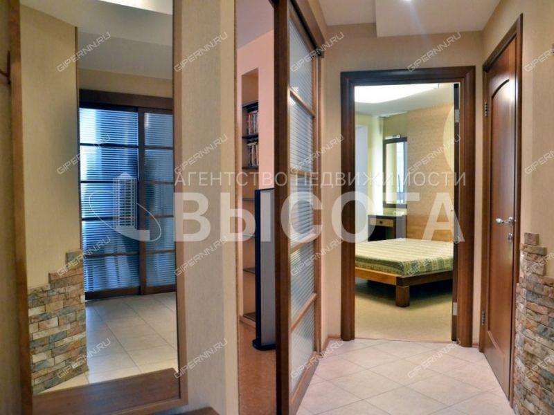 трёхкомнатная квартира на улице Белинского дом 69