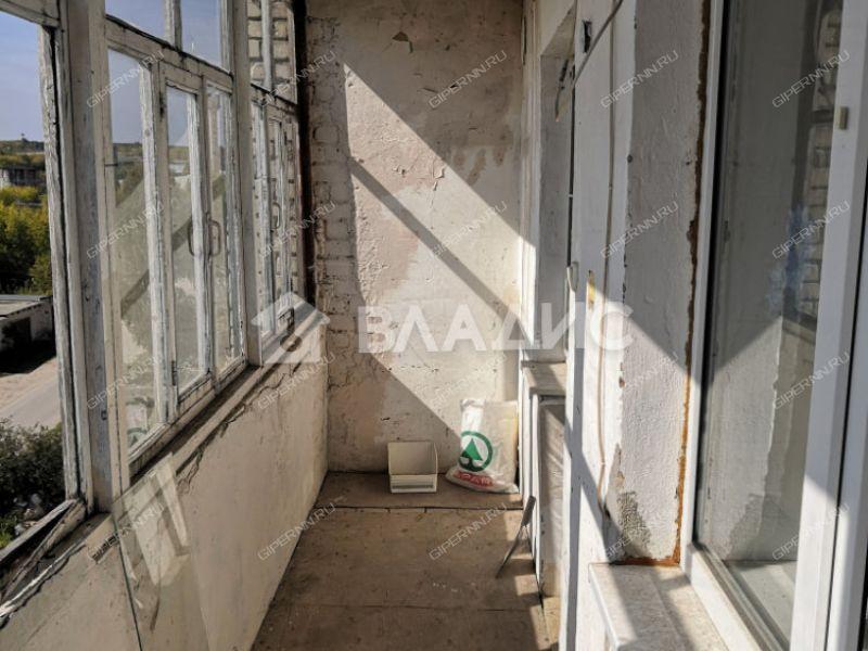трёхкомнатная квартира в посёлке Молодёжный дом 10 город Сергач