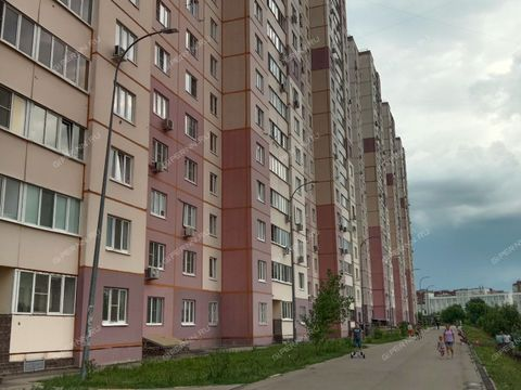 3-komnatnaya-ul-rodionova-d-27 фото