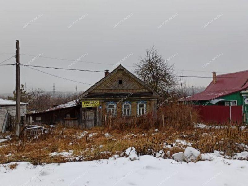 дом на Центральной улице село Федяково