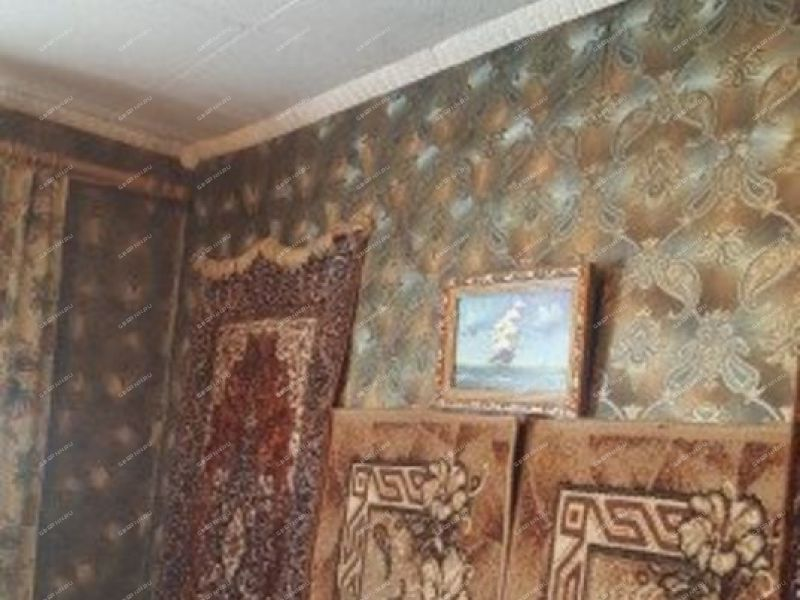 трёхкомнатная квартира на улице Школьная дом 33 посёлок Ждановский