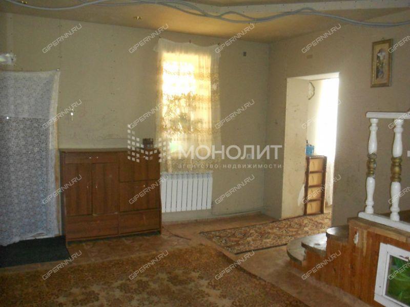 дом на улице Центральная деревня Кусаковка