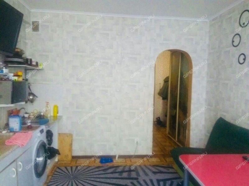 однокомнатная квартира на улице Июльских Дней дом 19