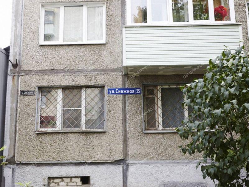 трёхкомнатная квартира на улице Снежная дом 25